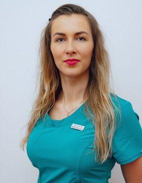 """Milda Bernotaitė - gydytoja odontologė. Odontologijos klinika - """"Gražių šypsenų namai""""."""